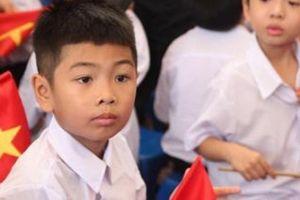 2 bé bị trao nhầm vào lớp 1: Nỗi lòng của người mẹ ngày khai giảng