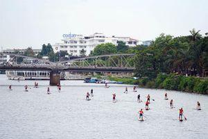 Sôi động giải SUP trên sông Hương