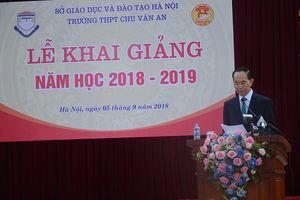 Chủ tịch nước Trần Đại Quang đánh trống khai giảng tại trường THPT Chu Văn An