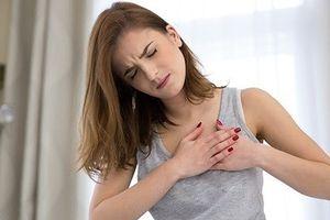 Dấu hiệu đau ngực nhẹ nhàng tố bạn bị thiếu máu cơ tim