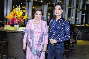 Nhân mùa Vu Lan, nói về 3 sao Việt đã nỗ lực cả tuổi thanh xuân để báo hiếu Mẹ