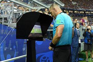 Premier League sắp thử nghiệm công nghệ VAR