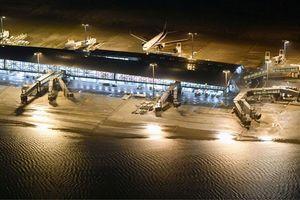 Nhật Bản: Bão Jebi làm chết 10 người, thuyền di chuyển hành khách bị mắc kẹt từ sân bay