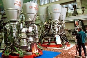 Nga 'bật đèn xanh', nói vẫn muốn bán động cơ tên lửa cho Mỹ