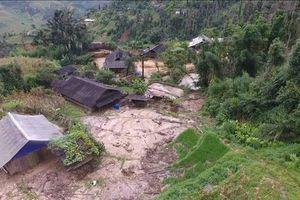 Số người chết và mất tích do mưa lũ đã lên tới 20 người