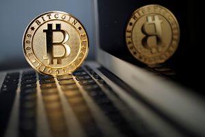 Vốn hóa thị trường tiền mật mã chạm đỉnh cao 240 tỷ USD