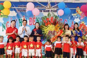Lãnh đạo TP Hà Nội chia sẻ cùng thầy trò trường Nam Phương Tiến trong ngày khai trường