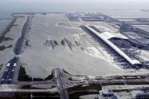 Ảnh, video: Siêu bão Jebi tàn phá sân bay quốc tế Kansai ở Nhật Bản
