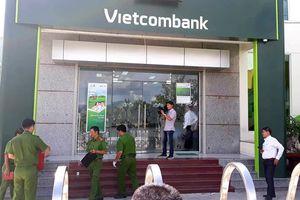 Hai thanh niên bịt mặt, cướp ngân hàng ở Khánh Hòa: Vietcombank nói gì?