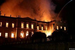 7 hiện vật vô giá 'một đi không trở lại' sau vụ cháy Bảo tàng Brazil