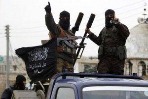 Thành trì cuối cùng bị không kích, quân nổi dậy ở Idlib nã tên lửa phản công mãnh liệt