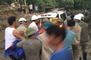 Kỹ sư nước ngoài bị đá sạt lở đè tử vong ở Yên Bái