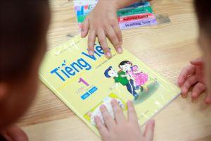 Giáo viên dạy sách Công nghệ Giáo dục nói gì về cách đánh vần 'lạ'?