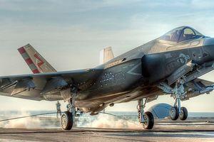 Cú va chạm của F-35C khiến Mỹ mất 2 triệu USD