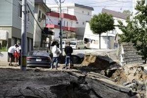 Nhật Bản hứng thêm động đất, ít nhất bảy người chết