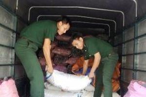 Bắt vụ vận chuyển 3,5 tấn đường nhập lậu