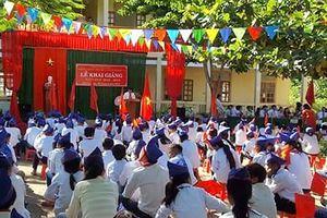Trường học vùng lũ khai giảng trong gian khó