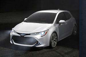 Toyota nhá hàng Corolla Touring Sports 2019 cốp siêu rộng