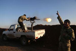 Phiến quân tấn công tên lửa căn cứ quân đội Syria
