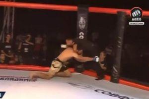 Võ sĩ MMA điên loạn tấn công trọng tài vì tưởng nhầm là đối thủ