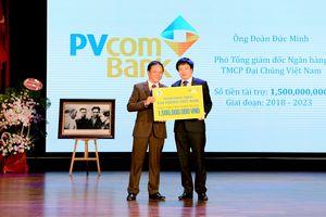 PVcomBank trao học bổng 1,5 tỷ đồng cho sinh viên ĐH Kinh tế Quốc dân