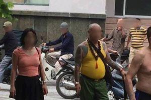 Chị gái kéo côn đồ đến dọa giết em trai, đánh mẹ già nhập viện