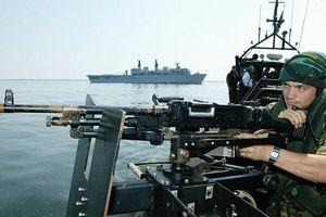 Trung Quốc nói Anh 'khiêu khích' khi điều tàu chiến vào Biển Đông