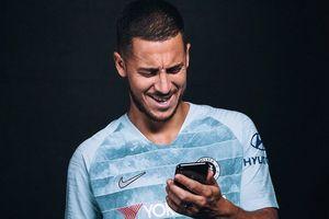Chelsea và Nike lần đầu tiên tung áo đấu có thể giao tiếp với smartphone