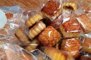 Cần Thơ: Tạm giữ gần 4.000 bánh Trung thu 'trôi nổi'