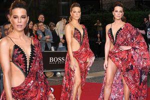 Ngắm trang phục hở táo bạo của nữ diễn viên Kate Beckinsale