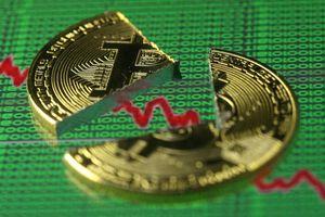 Giá Bitcoin sụt mạnh, vốn hóa tiền ảo 'bốc hơi' 30 tỷ USD