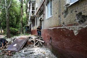 Binh lính Ukraine nã đạn pháo vào 2 ngôi làng Donetsk