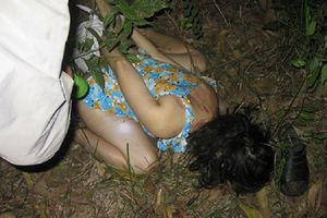 Cô gái trẻ bị nam thanh niên dùng dao khống chế cướp tài sản rồi cưỡng hiếp trên đường đi làm về