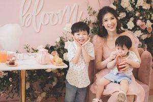 Hoa hậu Áo dài 2018 Phí Thùy Linh tiết lộ chuyện suýt bị sảy thai