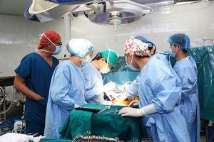 Ghép gan điều trị ung thư: Một thách thức của y học