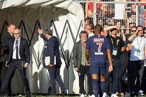 Kylian Mbappe dính án phạt phải ngồi ngoài sân 3 trận