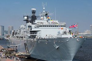 Anh phản pháo Trung Quốc trong vụ đưa tàu Hải quân tới gần Hoàng Sa