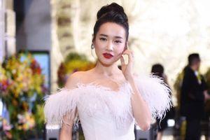 Nhã Phương, Bảo Thanh rạng rỡ trên thảm đỏ VTV Awards 2018