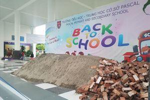 UBND TP Hà Nội yêu cầu báo cáo vụ đổ gạch, cát vào trường Pascal