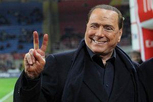 Sau khi bán AC Milan, cựu Thủ tướng Silvio Berlusconi mua đội bóng hạng 3 Monza