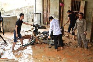 Kinh hoàng vỡ hồ nước thải DAP 2 Lào Cai, nhiều nhà dân bị cuốn phăng