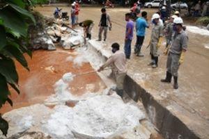 Nỗ lực khắc phục sự cố vỡ hồ chứa nước thải Nhà máy DAP Lào Cai