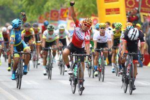 Giải xe đạp quốc tế VTV 2018: Lê Văn Duẩn lần đầu thắng chặng