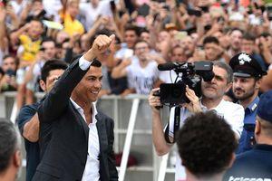 Cristiano Ronaldo đòi thêm 3 vệ sĩ ở Juventus