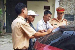Cảnh sát đến tận nhà đưa tài xế Mazda3 đánh võng về trụ sở