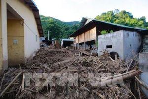 Ủng hộ hơn 5 tỷ đồng giúp người dân vùng lũ Thanh Hóa