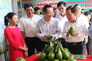 Phó Chủ tịch Quốc hội Phùng Quốc hiển làm việc với lãnh đạo chủ chốt tỉnh Sơn La