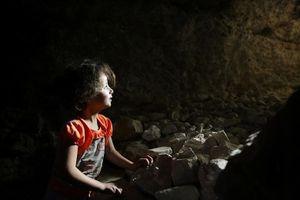 Đến trẻ em cũng được chuẩn bị sẵn sàng cho trận tử chiến Idlib, Syria