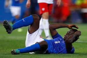 Balotelli tái xuất, Italy chật vật giành điểm trước Ba Lan