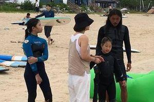 Người Hàn Quốc đổ xô đi lướt sóng gần khu vực phi quân sự liên Triều